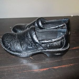 BOC Born Black Tooled leather clogs shoes 11